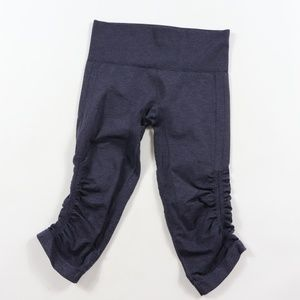 Lululemon Ebb to Street Cropped Yoga Capris Tights